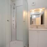 Salle de douche privée de la chambre 4